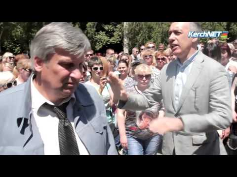 В Крыму народ требует работу и зарплату