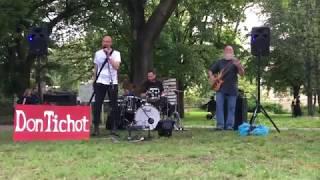 Video Don Tichot: Třetí světová láska (live Mezi ploty 2019)