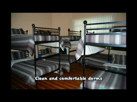 Wideo Stumble Inn Backpackers Lodge