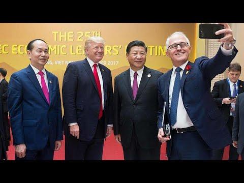 Τηλεφωνική επαφή Τραμπ – Σι Ζινπίνγκ για το εμπόριο