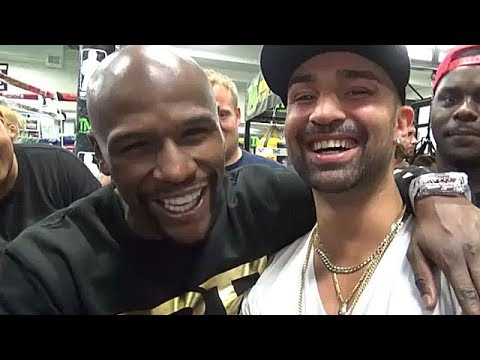 "(WOW!) MAYWEATHER & MALIGNAGGI TEAM UP TO CLOWN ""SUCKER"" MCGREGOR; HINT AT SETUP AND STRATEGY TALK"