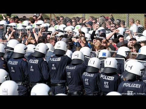Österreichs Polizei und Soldaten trainieren das Auf ...