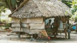 Kiribati, es un grupo de islas de las regiones micronesias. Es uno de los países que se encuentra gravemente bajo amenzas naturales, debido a que todas sus ...