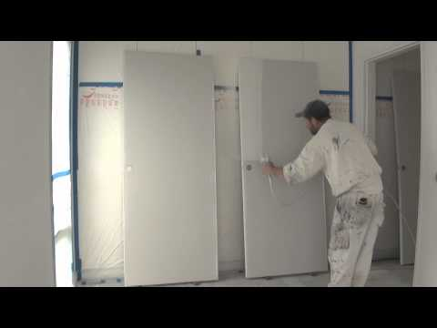airless paint sprayer - http://how-to-paint.info Spray painting doors made easy using a graco airless spray gun, this is a demo on how to paint a door using a grace airless spray gu...