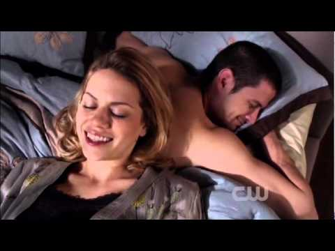 One Tree Hill 9x13 - Opening