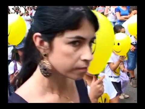 Desfile cívico em Abaeté tem a presença de milhares de pessoas que assistem apresentações de diverso