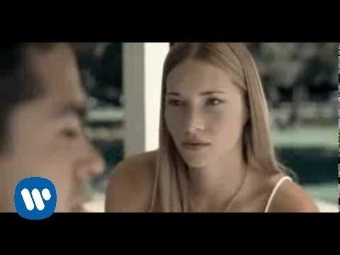 , title : 'Laura Pausini - Invece no (Official Video)'
