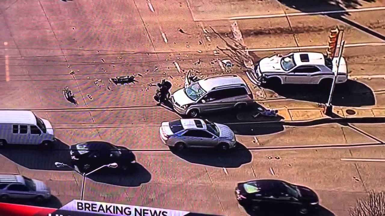 Woman in minivan stops high speed chase in Dallas