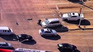 Kobieta wyręcza policję podczas pościgu w Dallas.