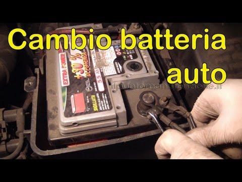 Come cambiare la batteria auto