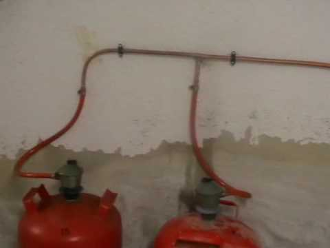 Acumuladores electricos acs videos videos relacionados for Instalacion gas butano