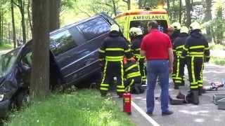 Video Aankomst brandweer en ambulance bij ongeval met beknelling Turnhoutsebaan Goirle. 18-05-2014. MP3, 3GP, MP4, WEBM, AVI, FLV Mei 2019