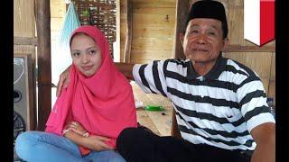 Download Video Kakek menikah dengan wanita muda di Sulawesi Selatan - TomoNews MP3 3GP MP4