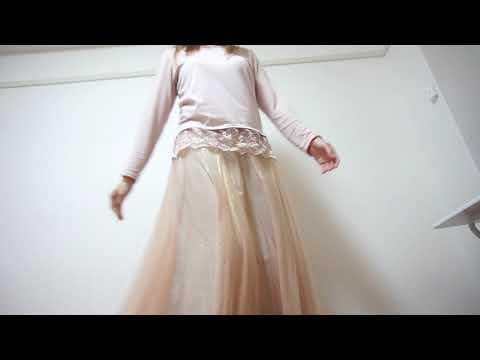 , title : '【パンチラ】ロングスカートでもちゃんと見えてます【開脚】'