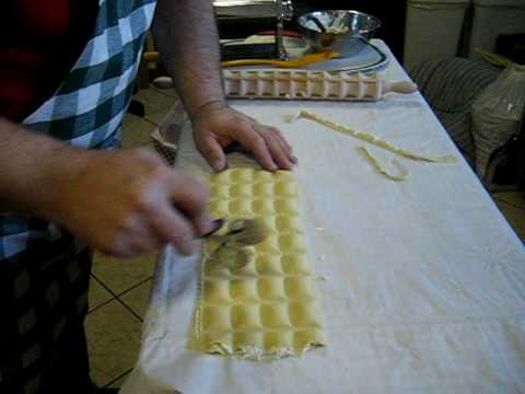 Easy Ravioli making with a Checkered Pin
