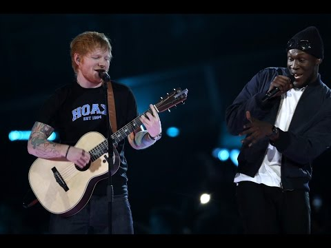 ED SHEERAN feat. STORMZY - Shape Of You - Live at The BRIT Awards 2017_Zene videók
