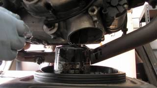 10. SocoMoto: 2002 Ducati Monster 620 Dark Oil Change.m4v