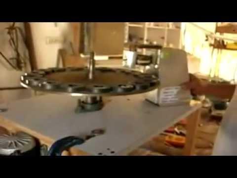 Magnetmotor mit Generator Free Energy- Magnet Motor with Generator Energia libre.avi (видео)