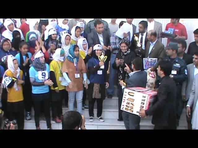مصاحبه بانو مرسل احمدی برنده مسابقه دوش بانوان درشهر مزارشریف