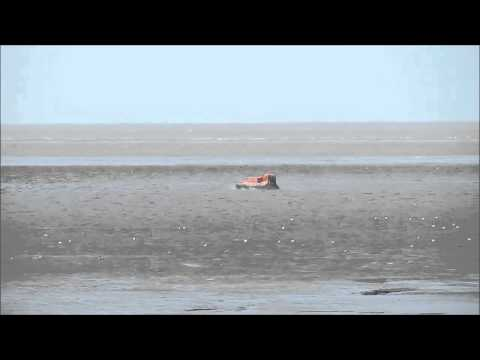 VIDEO: Burnham-On-Sea hovercraft attends stricken yacht
