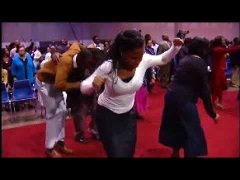 Praise Breaks That Make You Want To Get It In And Give God Praise!