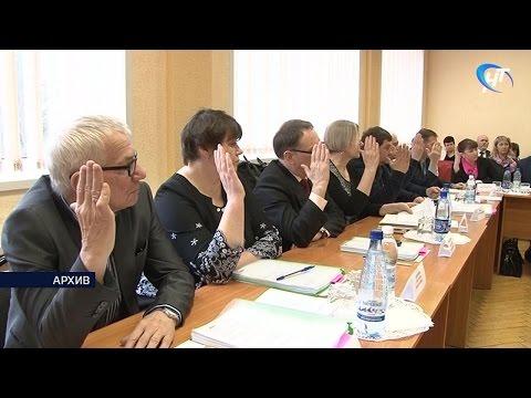 Владимир Иванов переизбран на должность главы Батецкого района