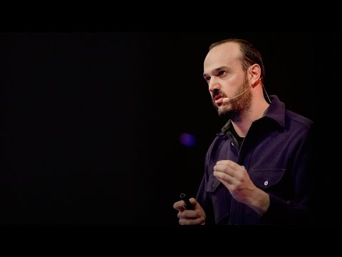 Everything you hear on film is a lie | Tasos Frantzolas (видео)
