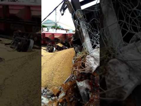 Trem descarrila no centro de Rio Preto (Diário da Região)