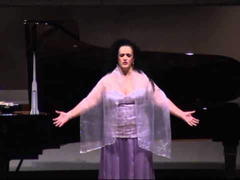 Berenice Barreira - Casta Diva (ária da ópera Norma) Japão 2010