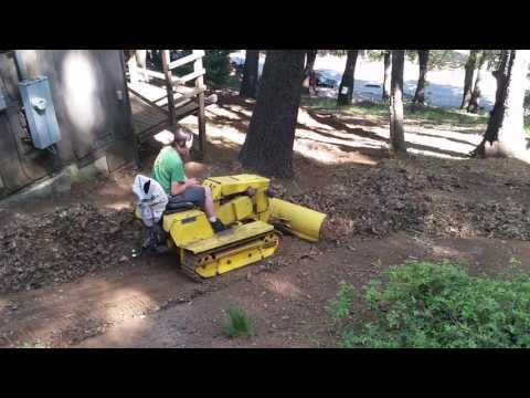 Mini dozer action, the magnatrac (видео)