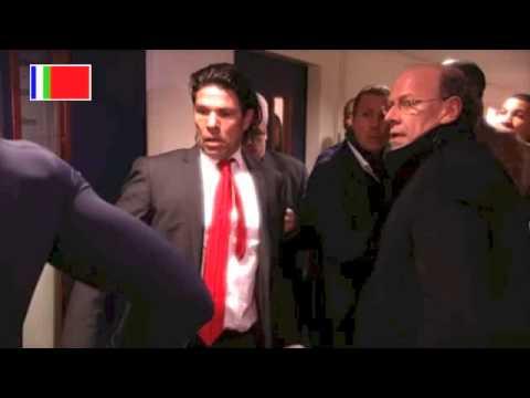 ruzie - Na afloop van het duel van Feyenoord met PSV zijn de spelers in de catacomben bij een opstootje betrokken geweest. PSV'er Jeremain Lens wachtte Joris Mathijs...