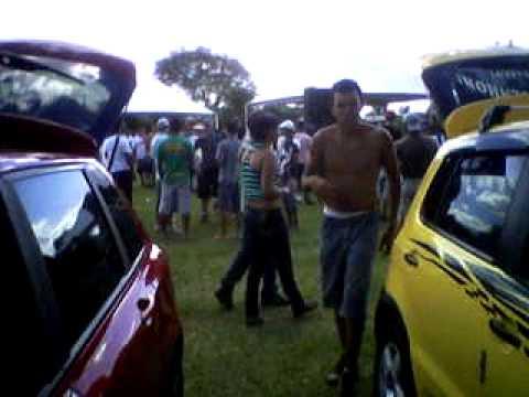 Equipe CJ entubanu saveiro em Guatapará