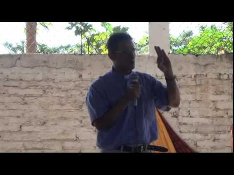 Falta De Respeto A Jesus Sacramentado -  Padre Carlos Cancelado