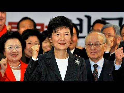 Ν. Κορέα: Ενώπιον της δικαιοσύνης η Παρκ Γκέουν Χίε.