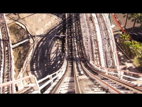 Six Flags Magic Mountain To Close Iconic 36-Year-Old Wooden Coaster 'Colossus'