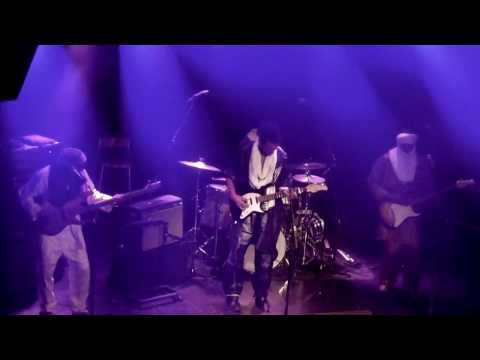 Psychedelic jammin', Tuareg style; @BombinoOfficial live @013 Tilburg [video]