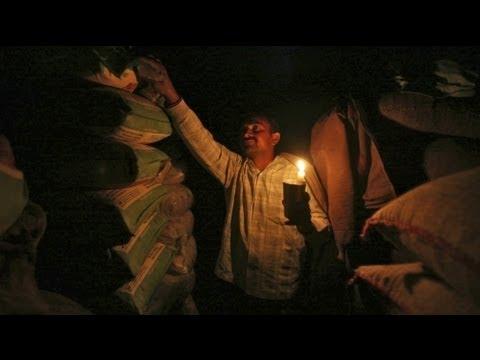 أكثر من 300 مليون هندي بلا كهرباء - فيديو