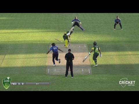 Malinga Sizzles With First-over Wicket