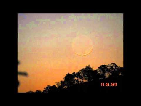 Pôr-da-Lua em 15 de agosto de 2015.