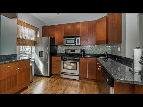 A nicely-renovated Logan Square 2-bedroom