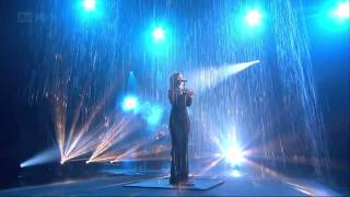 Rihanna - Diamonds - Live on The X-Factor (UK - November, 25th 2012) (HD)