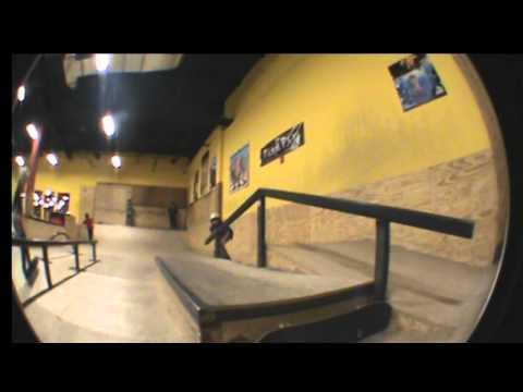 7 Tricks at Mekos Skatepark