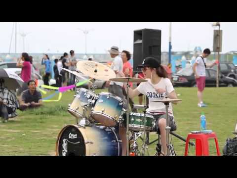Gái Xinh cute girl love drunk drum cover