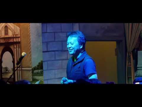 Touly Vangkhue in Concert at Buasavanh Minnesota: Li Tus Dej Ntws (видео)