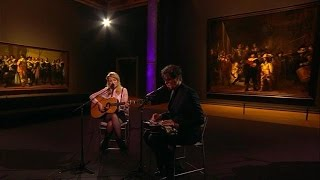Download Lagu The Common Linnets - Hungry Hands - RTL LATE NIGHT Mp3