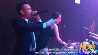 """DJ Tit xinh lung linh trong """"Bữa trưa vui vẻ"""""""