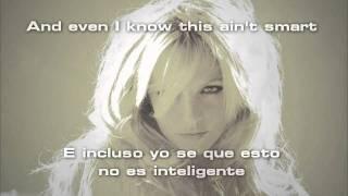 Britney Spears - Criminal (Lyrics - Letra en Español)