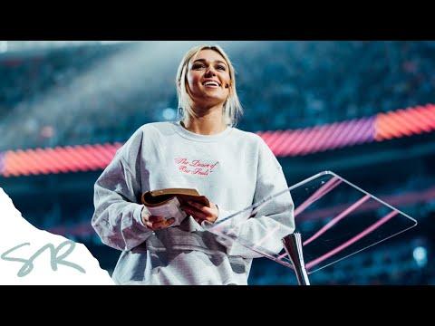 Does God Love Me?   Sadie Robertson Preaching - Passion 2020