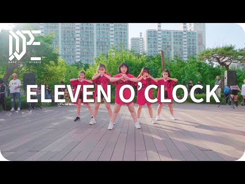 ELEVEN O'CLOCK l 2019 DOPE DANCE STUDIO l BUSKING SHOW !