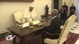 Per la salvezza delle isole del Pacifico Papa Francesco ha incontrato il presidente della repubblica di Kiribati, arcipelago...
